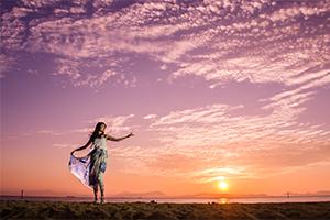 焼野海岸の夕陽を背にポトレ撮ってきたよ。
